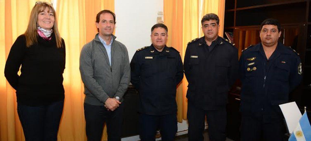 Ariel Sujarchuk recibió a los nuevos jefes policiales de Belén y Matheu