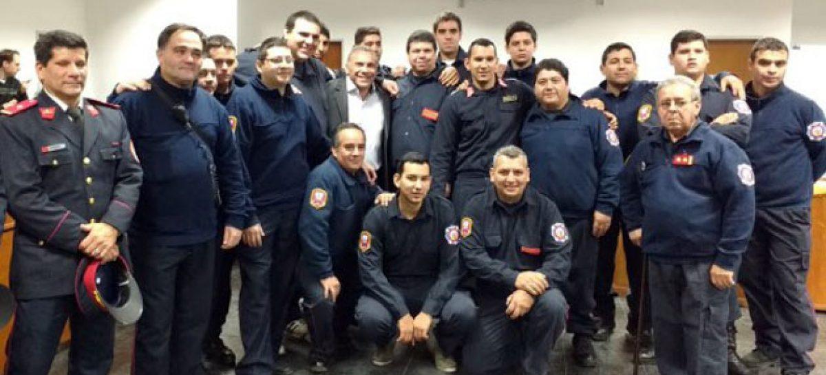 El HCD de Escobar homenajeó a los bomberos en su día