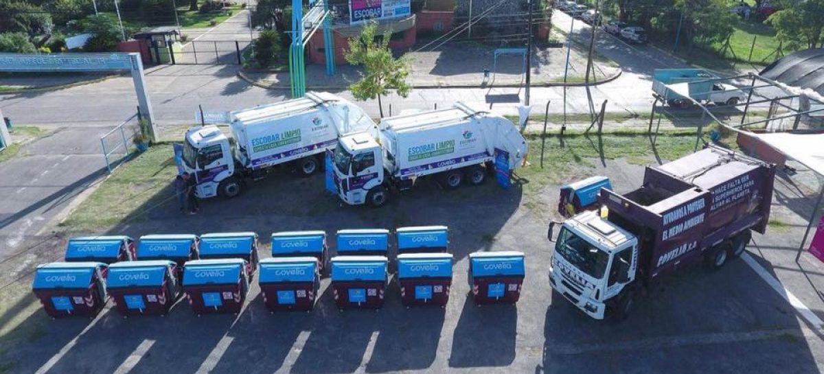 Con la incorporación de dos camiones y cincuenta contenedores se amplió el servicio de recolección de basura a todo el distrito