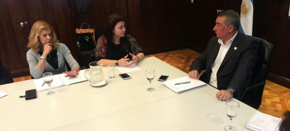 Rocío Fernández se reunió con el titular del Pami Sergio Cassinotti presentando un informe con los reclamos que surgen desde la institución a su cargo