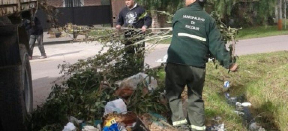 Residuos, ramas y escombros en la vía pública: las UGC estarán facultadas para labrar infracciones