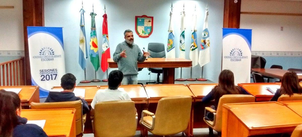 El HCD brindó una charla a alumnos del colegio Buenas Nuevas de Escobar