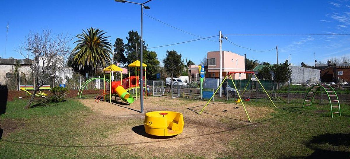 El intendente recorrió la nueva plaza Belgrano y obras de estabilizado en Loma Verde