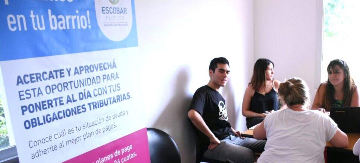 Campaña de la Municipalidad de Escobar en barrios cerrados para que los vecinos regularicen su situación impositiva