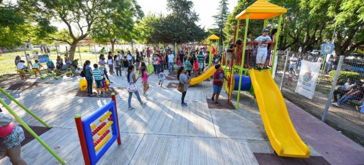 El intendente Ariel Sujarchuk inauguró la remodelada Plaza Matheu y realizó un importante anuncio en materia de salud