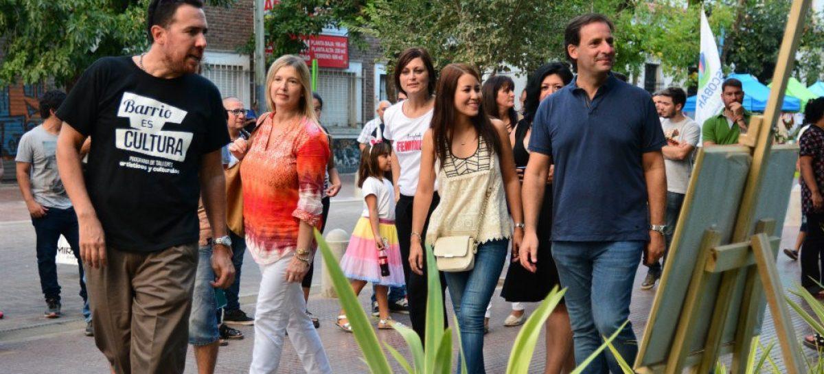 Con arte en la peatonal Yrigoyen, la Municipalidad de Escobar celebró el Día de la Mujer