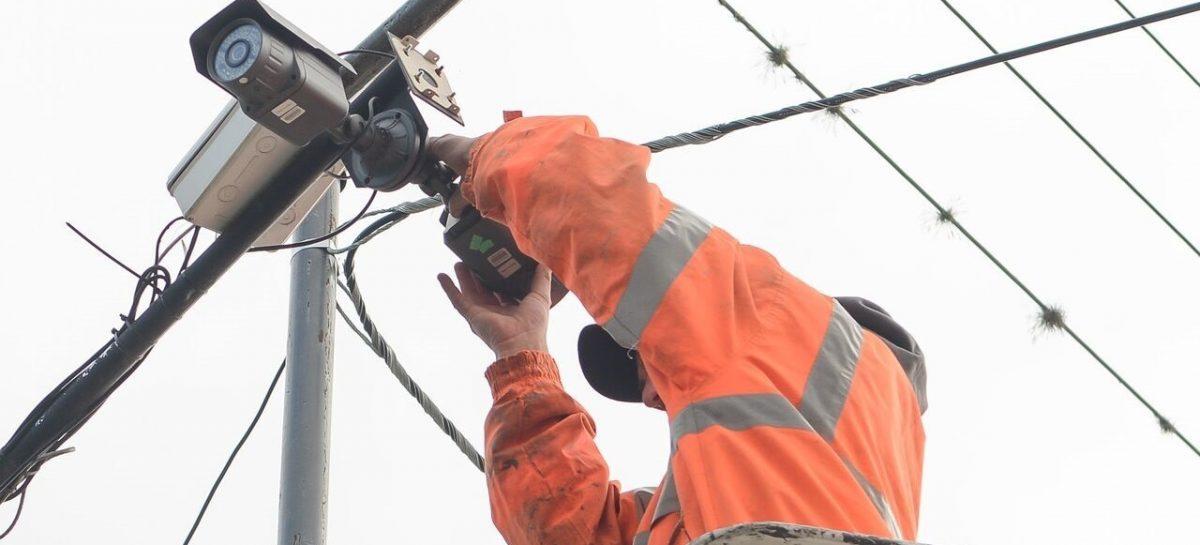 Fibra óptica: comenzó la segunda etapa de obras que permitirá instalar 400 nuevas cámaras de seguridad y llevar internet a todas las localidades del partido de Escobar