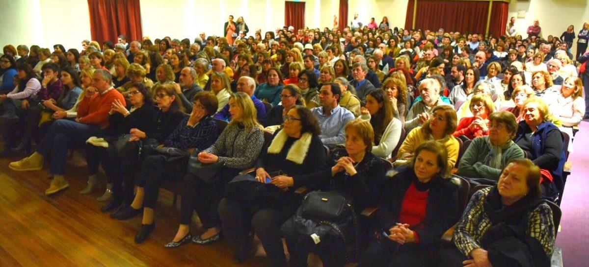 Ariel Sujarchuk anunció que Eleonora Cassano brindará otra función en el Teatro Seminari, pero esta vez a beneficio de APANNE