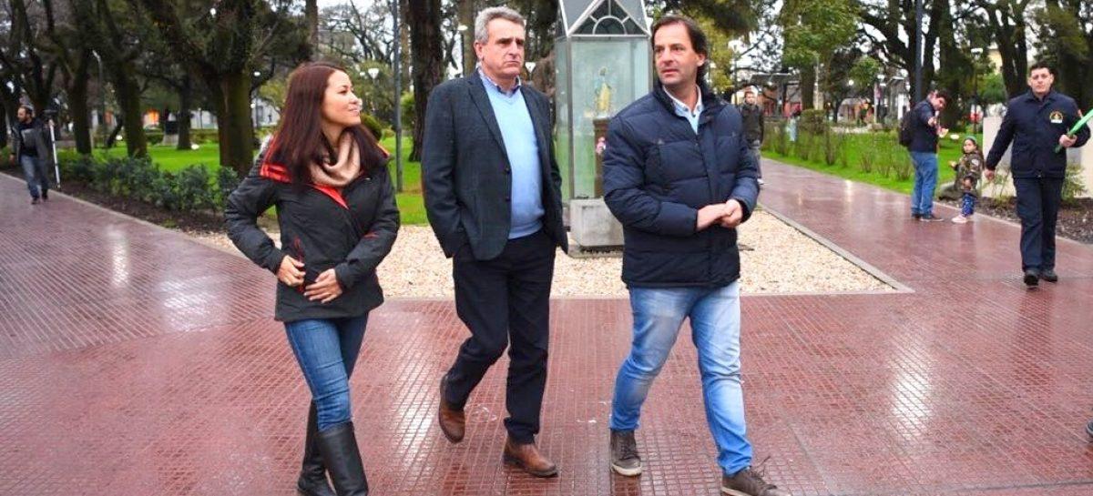 Ariel Sujarchuk recibió en Escobar al diputado Agustín Rossi y recorrieron obras municipales en Garín y en Belén