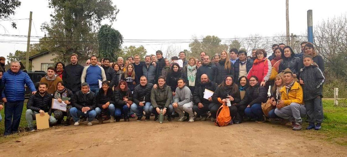 En una nueva jornada de timbreo nacional, el equipo de Cambiemos Escobar salió a recorrer la localidad de Maschwitz
