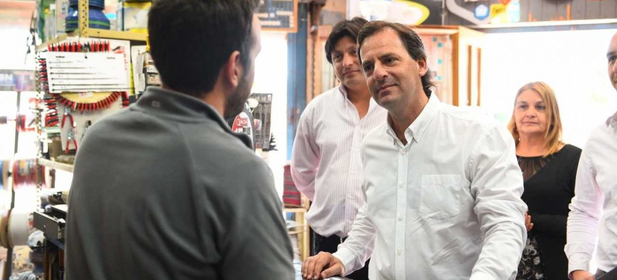 Ariel Sujarchuk recorrió obras en Belén de Escobar y en el centro comercial de Matheu