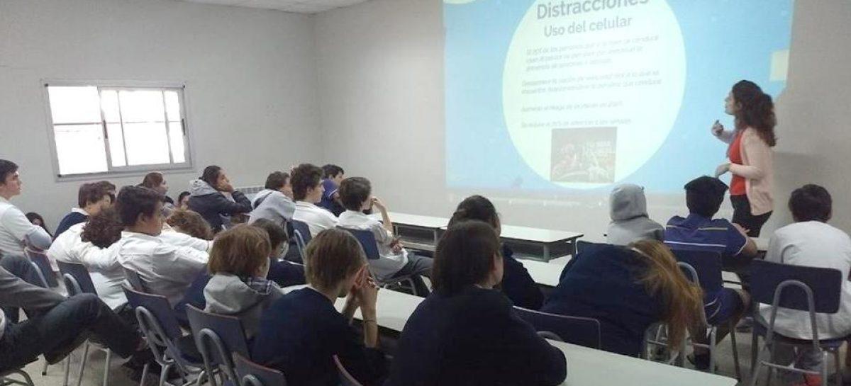 Más de 1000 alumnos de las escuelas primarias y secundarias del partido de Escobar reciben charlas de seguridad vial