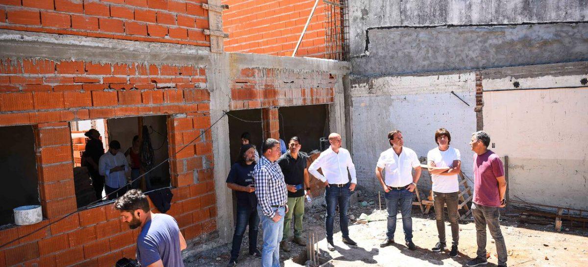 El intendente supervisó las obras del nuevo Centro Cívico de Garín y de la futura Oficina de Licencias de Conducir de Belén de Escobar