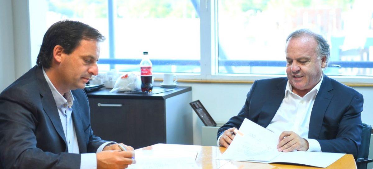 Escobar firmó un convenio con ARSAT para profundizar la modernización, conectividad y capacidad tecnológica del Estado Municipal