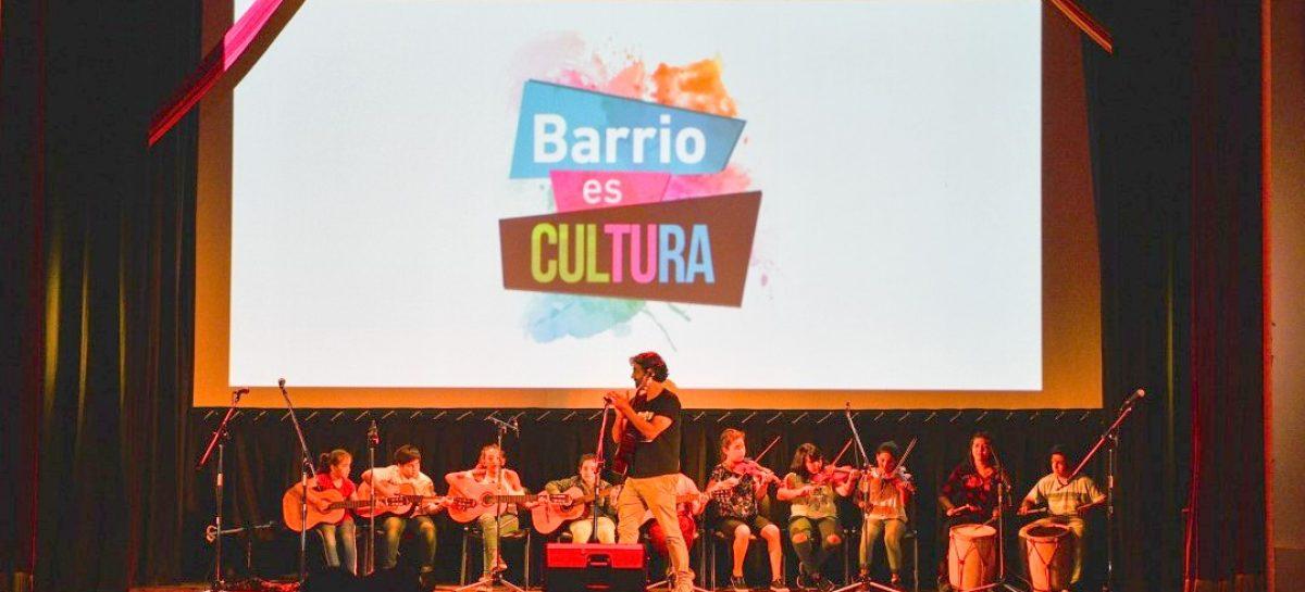 """Junto a más de 300 alumnos, Ariel Sujarchuk participó del cierre del programa """"Barrio es Cultura"""""""