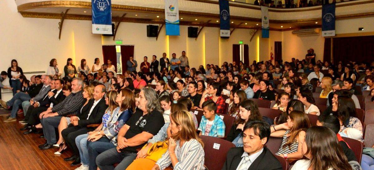 Ante los estudiantes aspirantes y sus familias, la Municipalidad de Escobar, la UBA y la Provincia de Buenos Aires presentaron el curso de ingreso al Colegio Preuniversitario