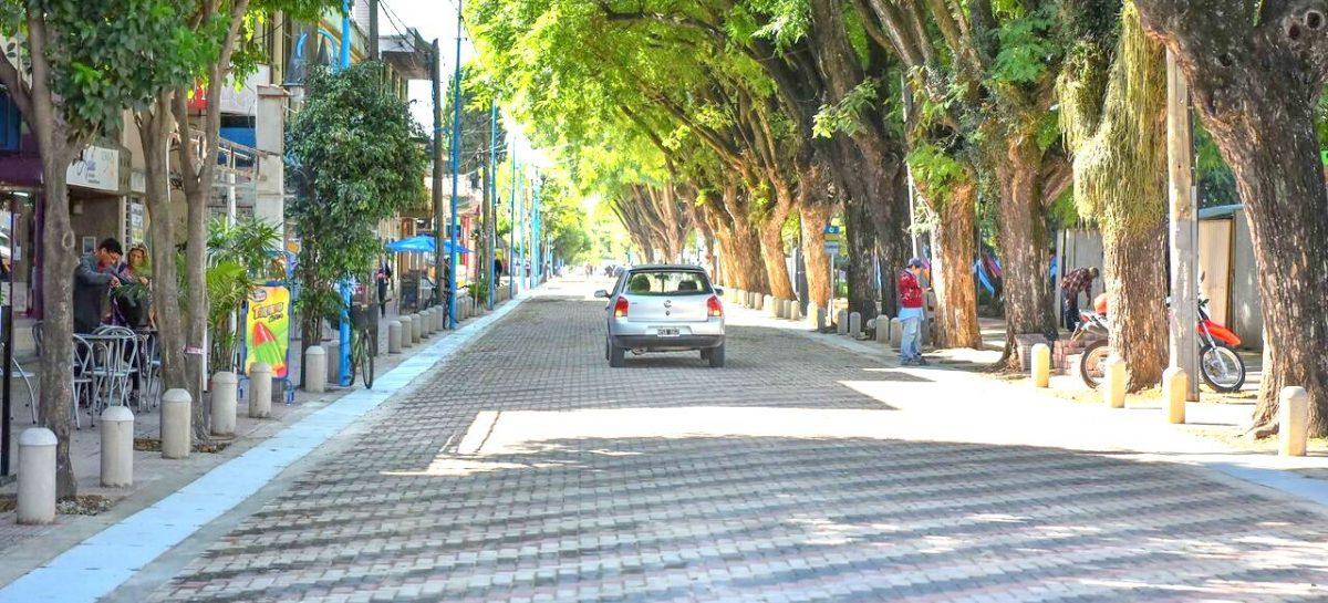 El intendente inauguró la repavimentación de la calle Colón, desde Tapia de Cruz hasta Travi, en el casco céntrico de Belén de Escobar