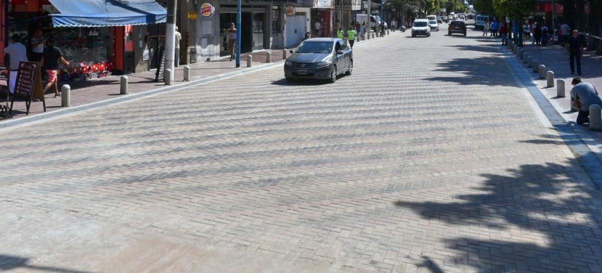 Ariel Sujarchuk inauguró la repavimentación de la avenida Tapia de Cruz entre las vías del ferrocarril y Belgrano