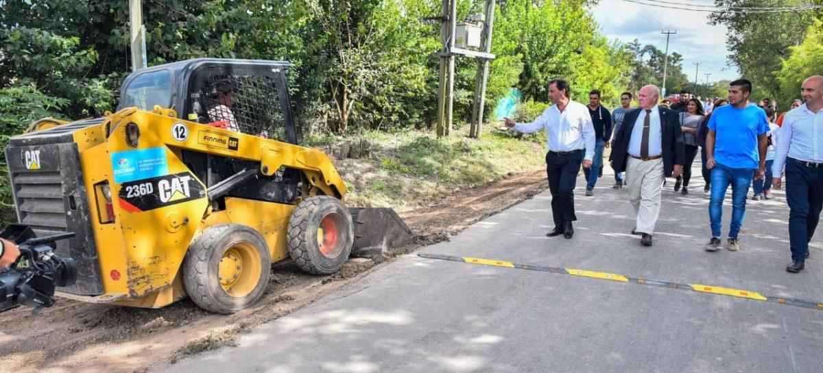 Ariel Sujarchuk supervisó obras de asfalto en Loma Verde