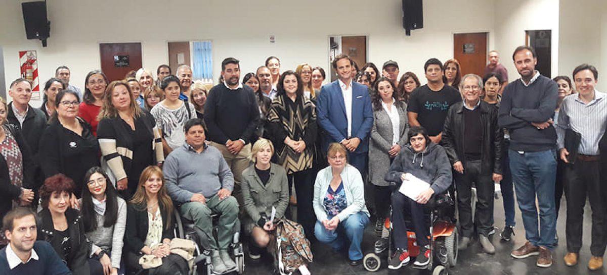 Rocío Fernández inauguró un curso de ciclos intensivos del INCaP en el HCD de Escobar