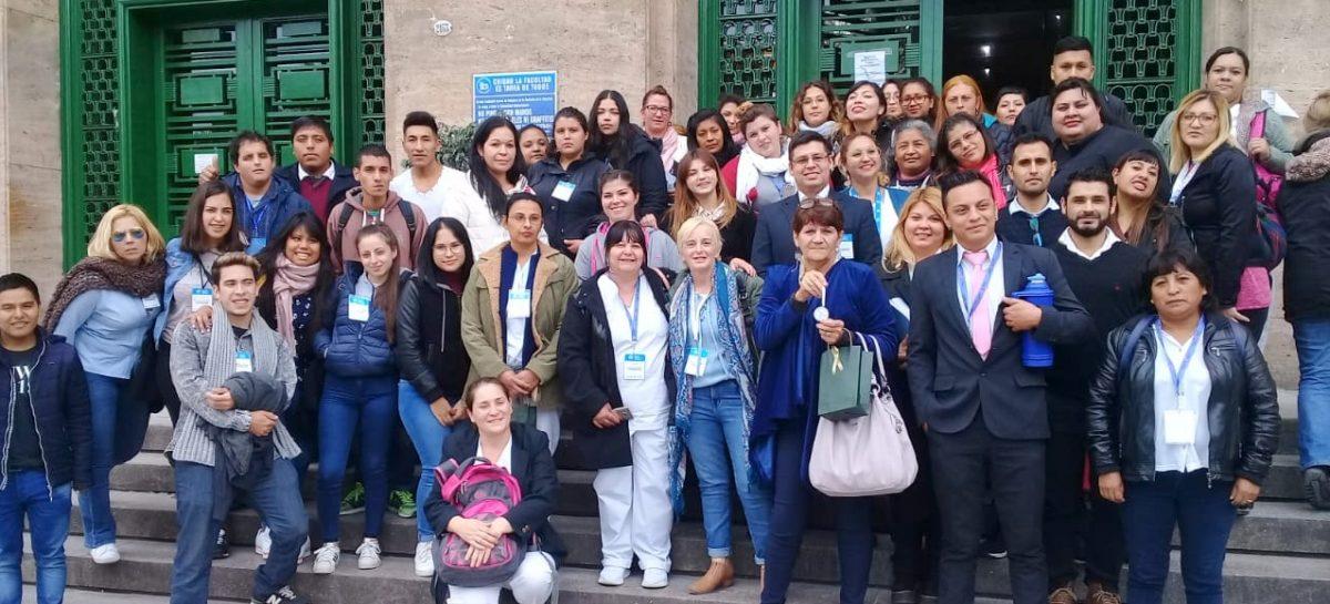 Estudiantes de Enfermería del PES obtuvieron un reconocimiento al exponer en el aula magna de la Facultad de Medicina de la UBA
