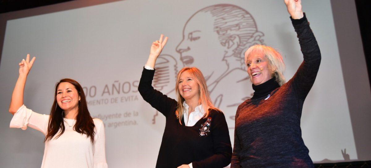 La diputada nacional Laura Russo, junto a Cristina Álvarez Rodríguez y Liliana Mazure, debatió sobre la figura de Eva Perón y presentó un ciclo de cine en su homenaje