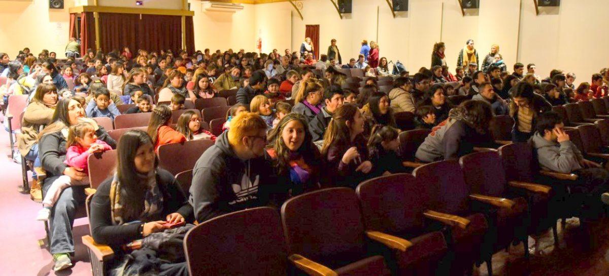 """A sala llena, se proyectó la función distendida de """"El Rey León"""""""