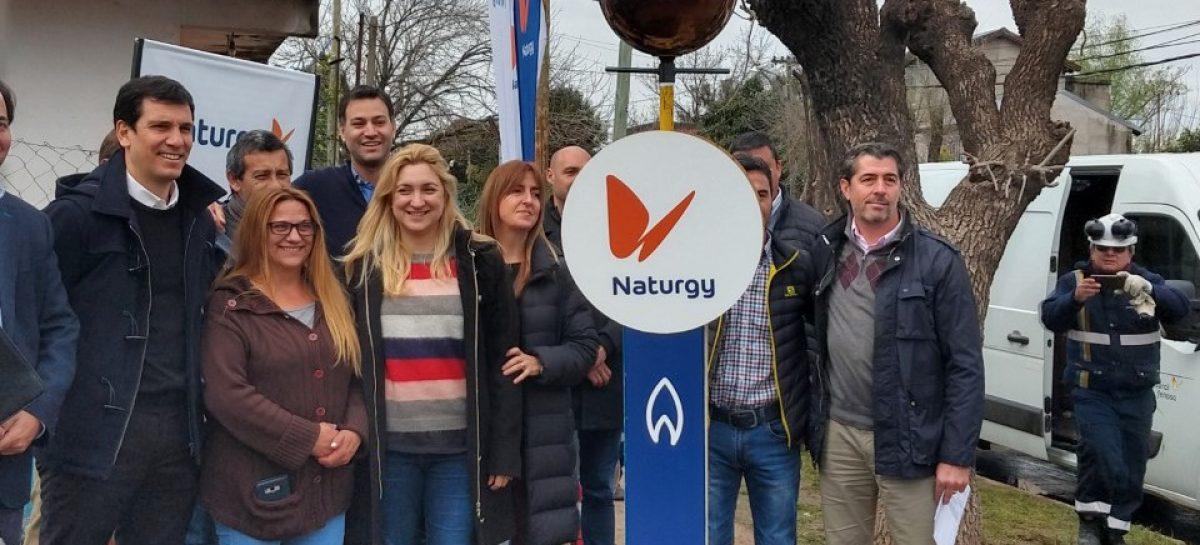 Inauguración de nueva red de gas natural en un barrio de Escobar