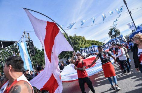 El Microestadio de Garín recibe a River, que trae la Copa Libertadores de América