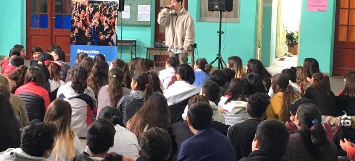 """Más de 3.000 chicos y chicas ya participaron del programa """"Rap en mi Escuela"""""""