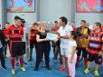 La Municipalidad bautizó con el nombre Leo Wasinger a una de las tribunas del microestadio de Garín
