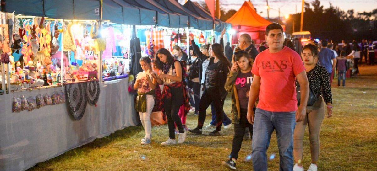 La Municipalidad de Escobar organiza ferias navideñas de emprendedores locales en múltiples espacios públicos del distrito