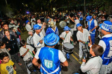 Una multitud disfrutó de la quinta edición del Carnaval de la Flor organizado por la Municipalidad