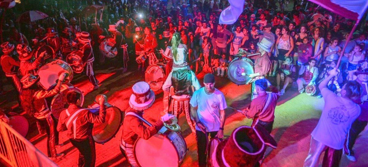 El comienzo del Carnaval de la Flor y la celebración de San Valentín en Escobar convocaron a miles de personas