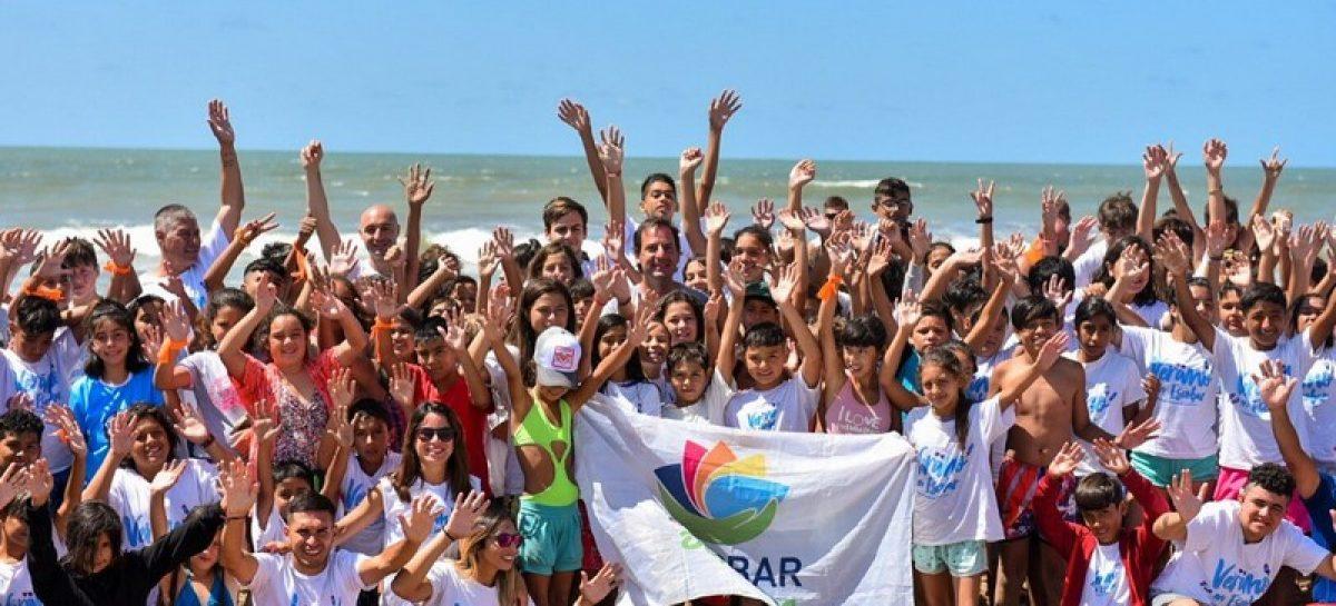 En su tercera edición, el programa municipal Mi Primer Viaje al Mar incluyó a jóvenes con discapacidad