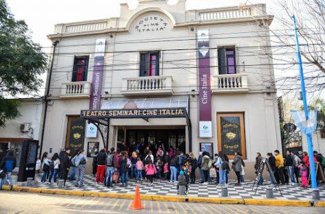 A través del sistema TuEntrada.com se pueden adquirir todos los tickets para los eventos del Teatro Seminari Cine Italia