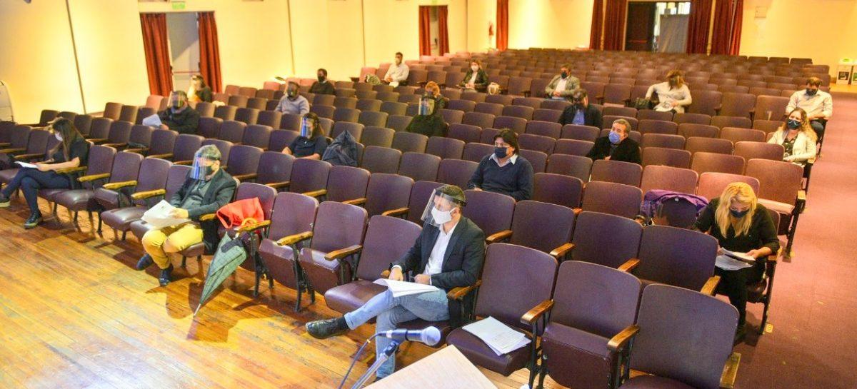 EL HCD de Escobar sesionó en el Teatro Seminari y convalidó la municipalización del Sanatorio San Carlos
