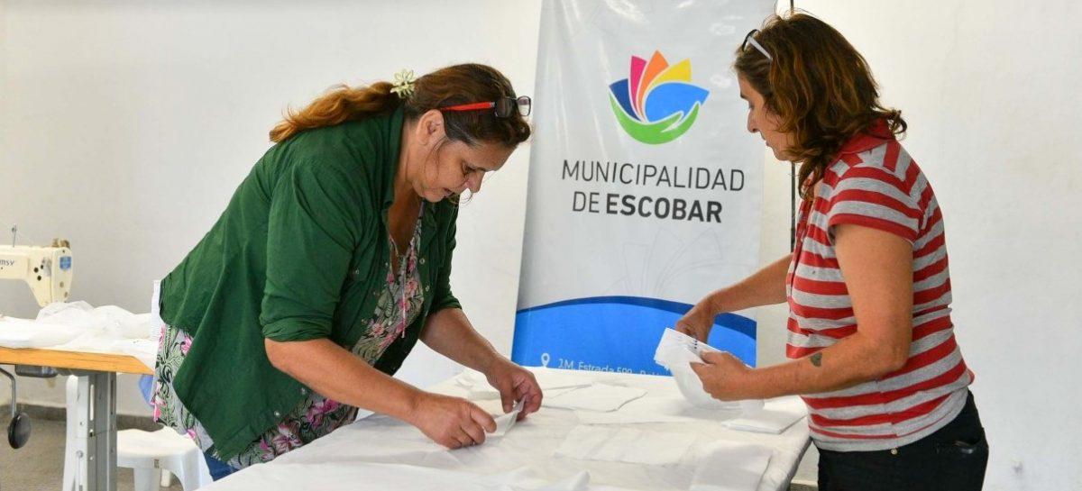 El municipio entregó un total de 1000 barbijos, 350 litros de alcohol en gel y 500 camisolines quirúrgicos a centros de salud del partido