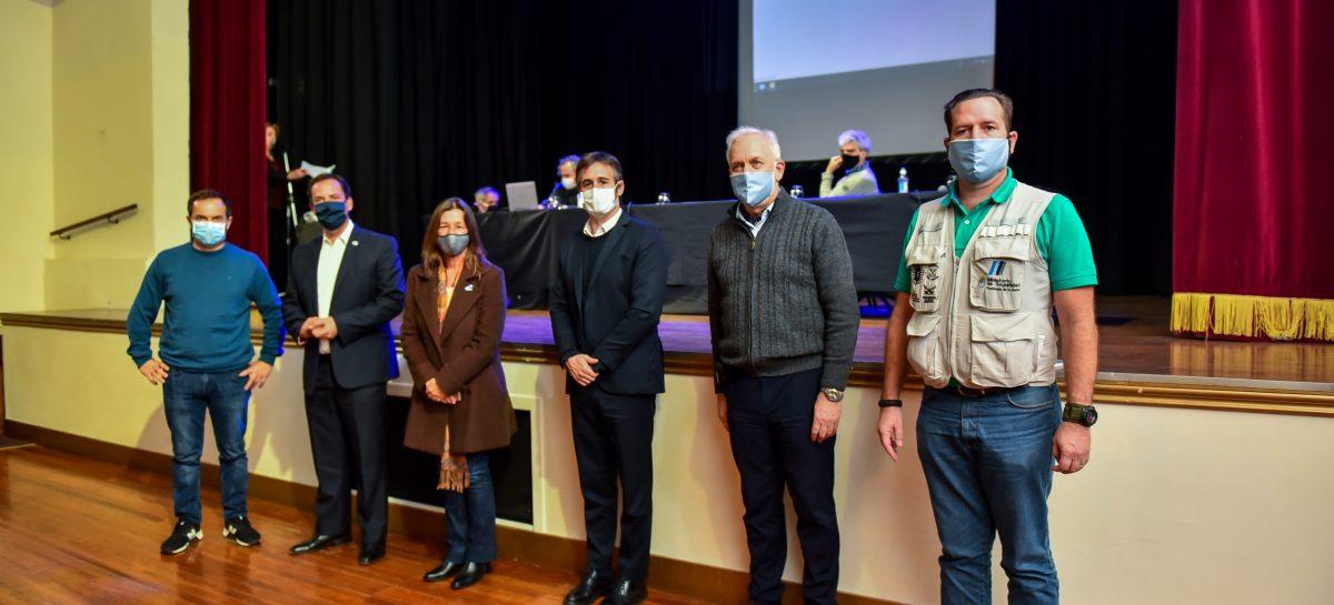 Sujarchuk y la ministra Frederic encabezaron la apertura de una capacitación sobre seguridad y salud