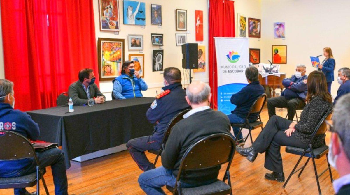 La Municipalidad de Escobar y los Bomberos Voluntarios firmaron un convenio de colaboración y asistencia técnica en la lucha contra el coronavirus
