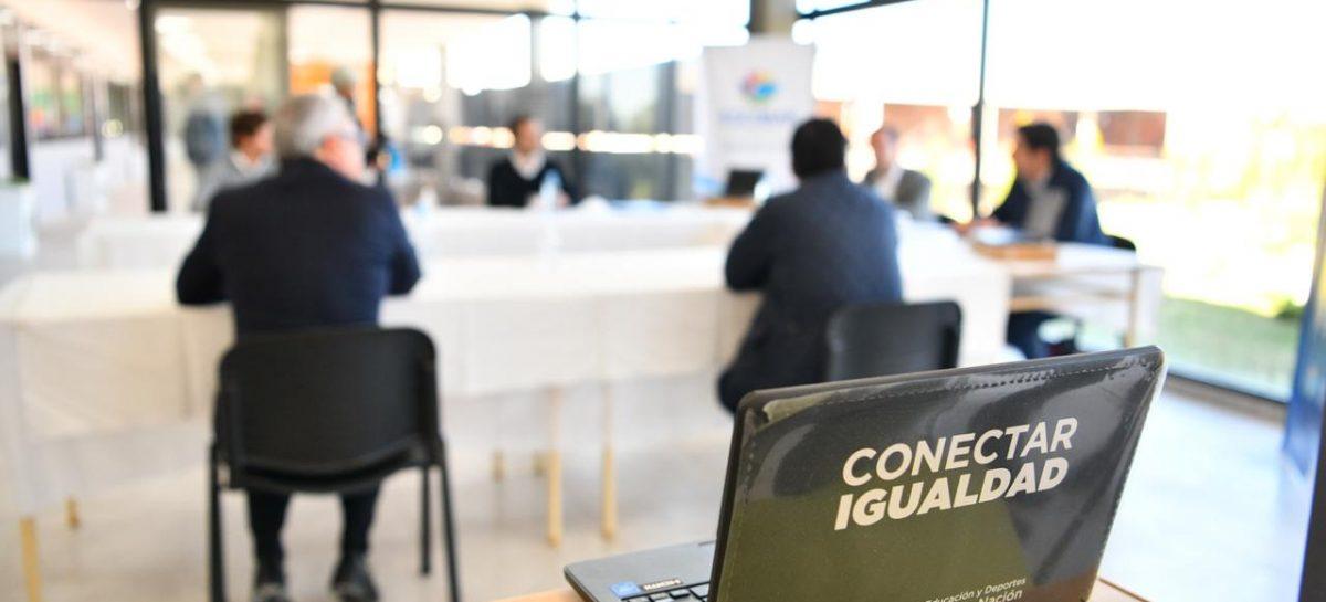 Convenio entre la Municipalidad de Escobar y el Ministerio de Educación para entregar 1.500 netbooks a escuelas e institutos públicos del distrito