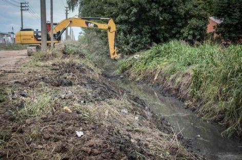El municipio prosigue con los trabajos hidráulicos en distintos puntos del distrito