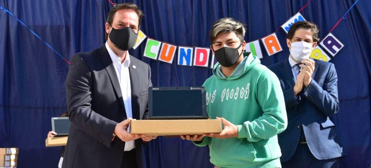 Sujarchuk y el ministro Trotta entregaron netbooks del programa Juana Manso y recorrieron las instalaciones del CELI y Estación Maker
