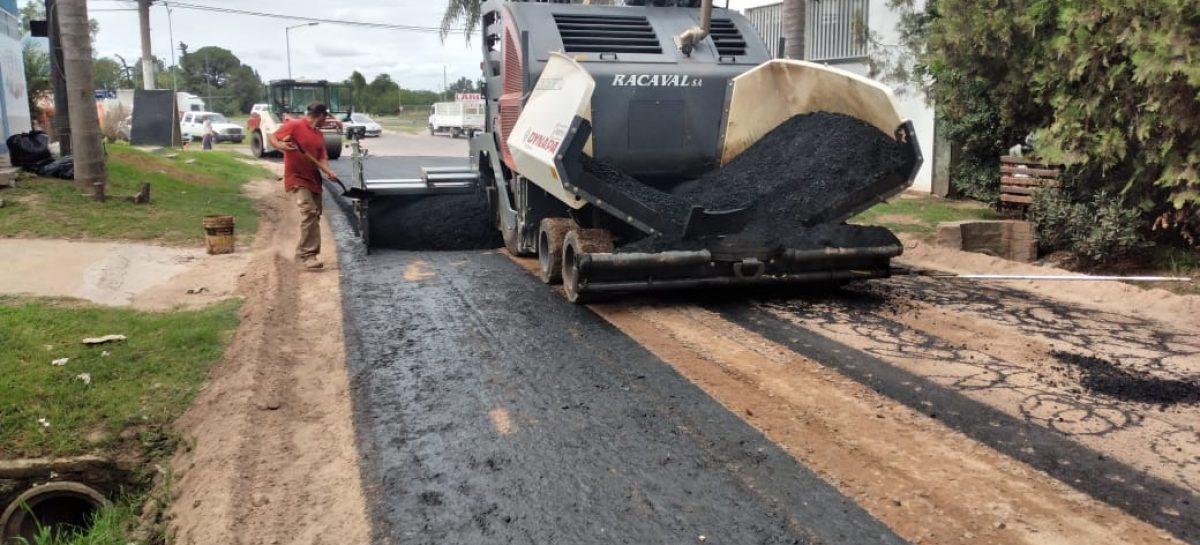 Continúan las obras de bacheo y pavimentación de calles en Loma Verde, Maschwitz, Savio, Belén y Matheu