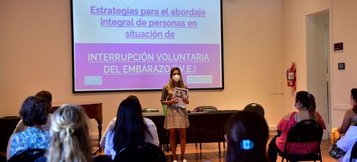 Personal de la Municipalidad y el Hospital Erill recibieron una capacitación sobre la nueva ley de Interrupción Voluntaria del Embarazo