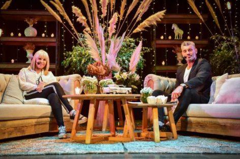 En el cierre del Mes de la Mujer, Claudia Villafañe estuvo en el Teatro Seminari entrevistada por Sergio Goycochea