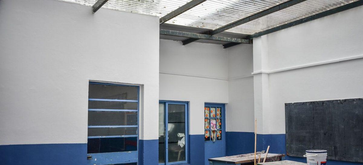 Se intensifican las obras del plan de infraestructura escolar en numerosos establecimientos educativos del distrito