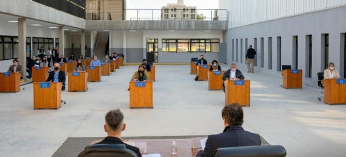 El HCD de Escobar sesionó al aire libre en el Colegio Preuniversitario Dr. Ramón Cereijo