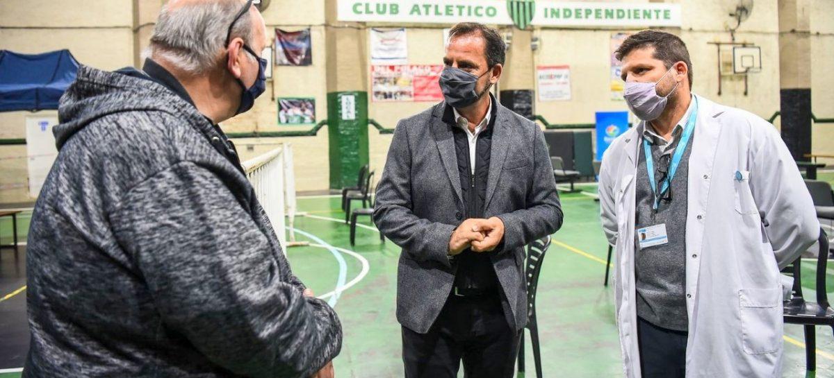Sujarchuk supervisó las obras de ampliación en el Hospital Provincial Erill y recorrió el centro de hisopado en el club Independiente de Escobar