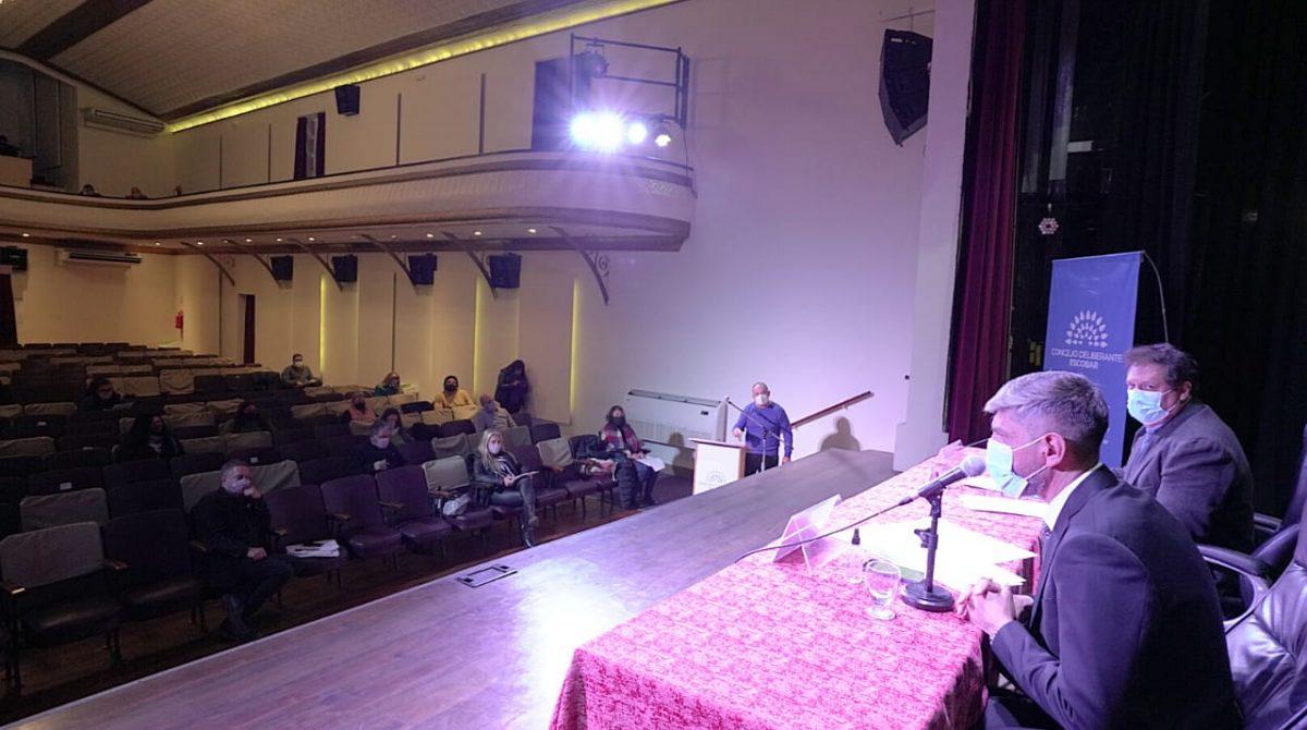 El HCD de Escobar realizó la quinta Sesión Ordinaria y la Asamblea de Concejales y Mayores Contribuyentes en el Teatro Seminari